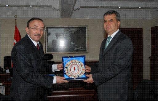 Rektör Prof. ERUSLU'dan Yalova Emniyet Müdürü Mehmet Ali SÜVARİ'ye Ziyaret